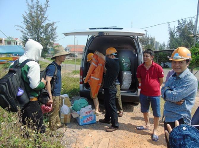 Đoàn công tác cùng nhóm thợ lặn thấy gì dưới đáy biển Quảng Bình?