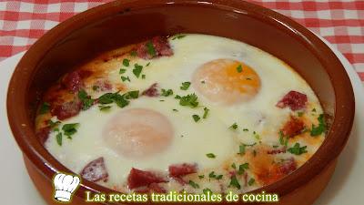 Cómo hacer huevos al plato a la Italiana