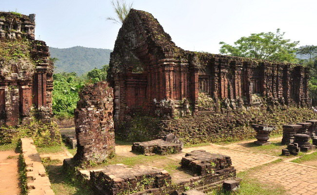 Xvlor My Sơn is Shiva temples complex built by Champa dynasty in 380 AD