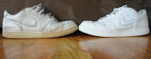 طريقة فعاله جدا لتنظيف الحذاء الأبيض وجعله جديدا بطريقة ملفته !!