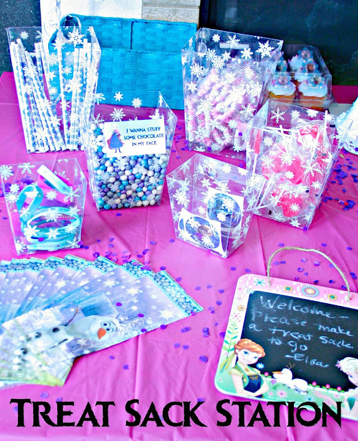Frozen Birthday Party Ideas, Frozen Food Labels, Frozen Movie Food Ideas, Frozen entertainment Ideas, Oriental Trading Frozen, Oriental Trading Review, Oriental Trading Frozen Party