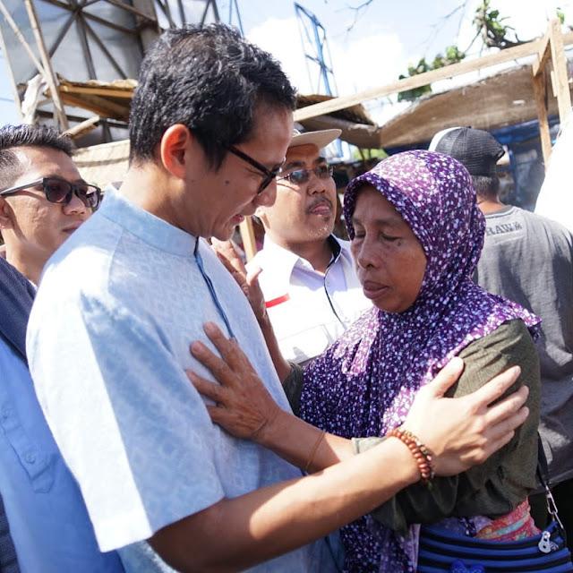 Komentar Heboh Saat Sandi Bantu Korban Gempa Lombok