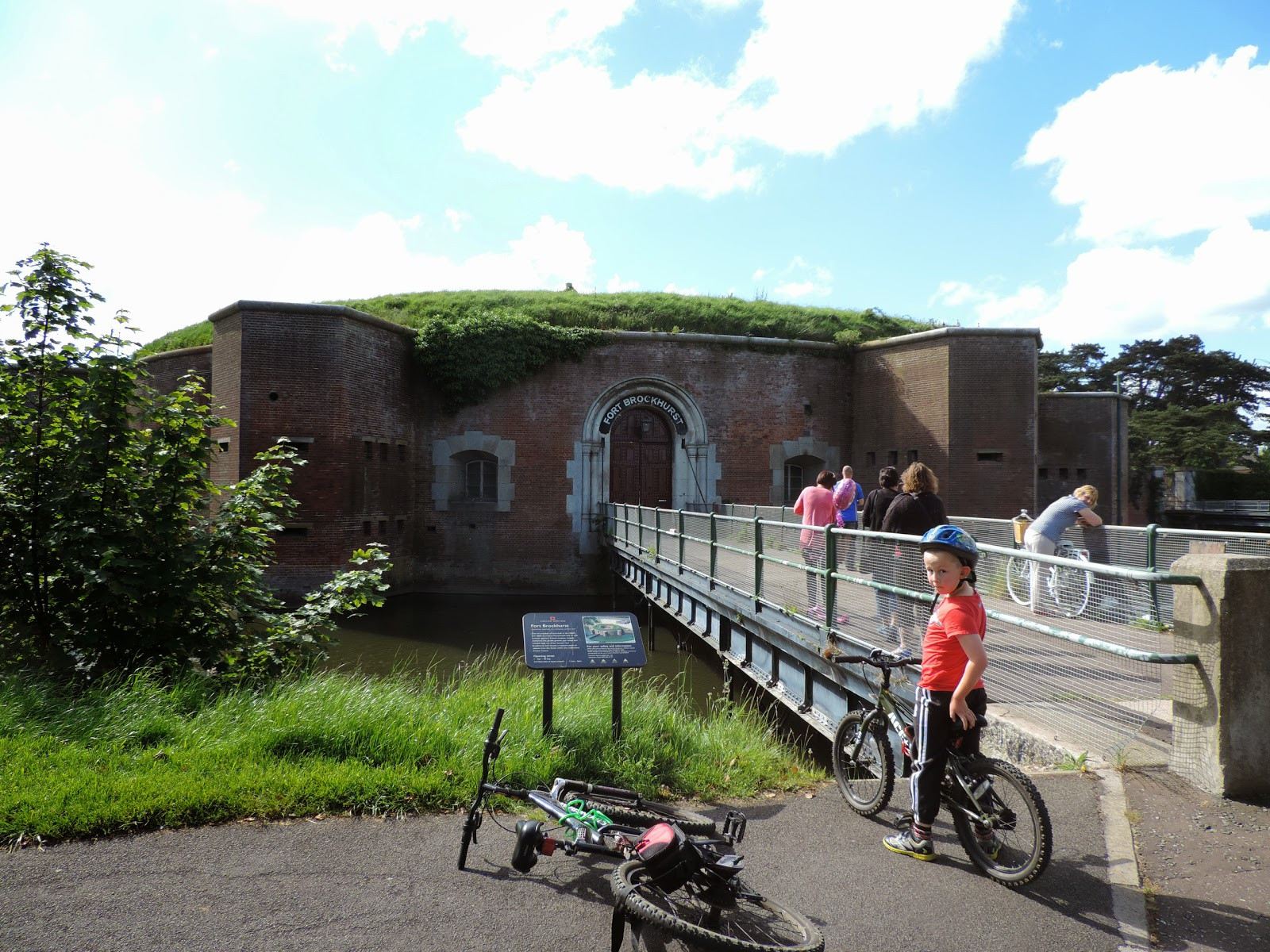 english heritage site fort brockhurst gosport
