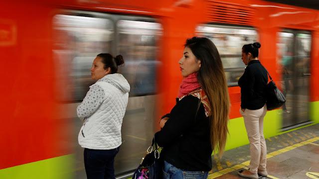 Las denuncias de acoso contra mujeres en el Metro de Ciudad de México alertan a las autoridades