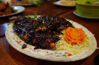 Ayam bakar Parape, juara di RM Podomoro