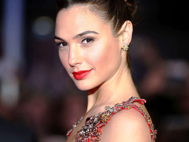 Who is Gal Gadot, Who is, Gal Gadot, Who is Gal, Who is Gadot, Magazine, Magazine News,