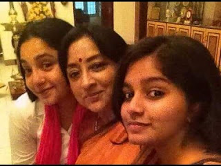 Lakshmi  with daughters