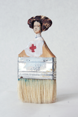violet jessep-pennelli-rebecca szeto-Paintbrush Portraits-scultura-la santa furiosa