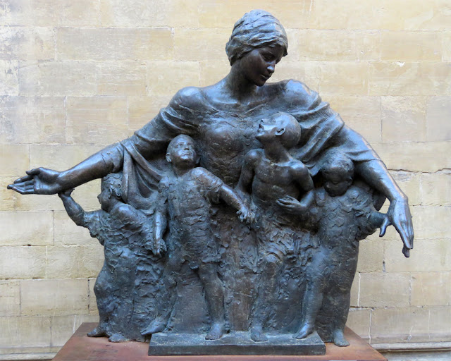 """The Mother of Armenia by Vighen Avetis, Piazza San Felice, Florence"
