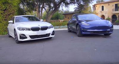 AUTO PARKING BATTLE: Tesla Model 3 against BMW 330i