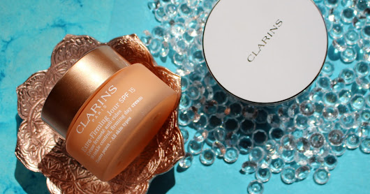 Clarins Extra Firming Jour (Extra Firming Day Cream) SPF15 AND Clarins Everlasting Cushion Foundation