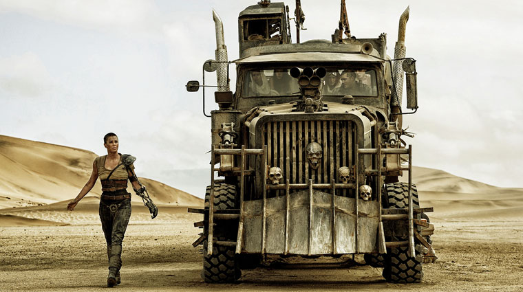 Imperator Furiosa (Charlize Theron) in MAD MAX: FURY ROAD (2015). Quelle: Warner