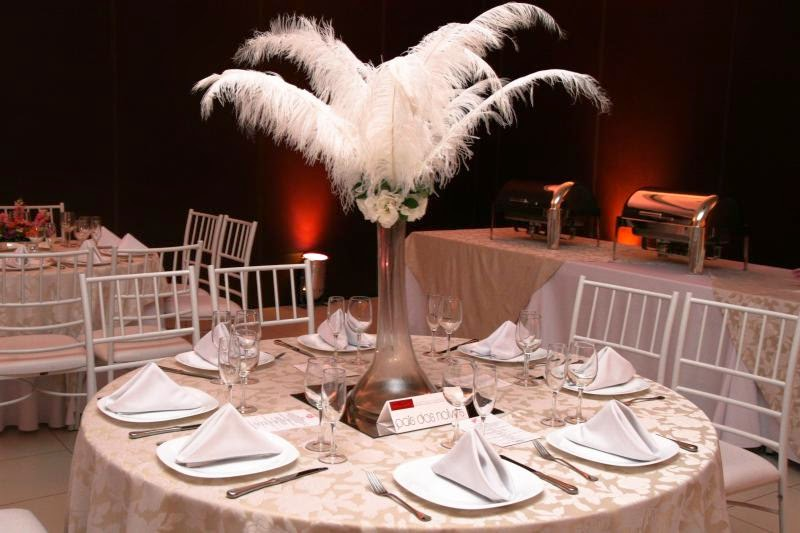 Resultado de imagem para decoração de casamento com plumas
