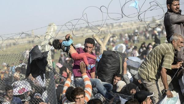 Turquía devuelve en masa a refugiados, incluidos niños y embarazadas, a Siria