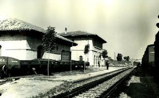 Estación Valjunquera, tren, vías