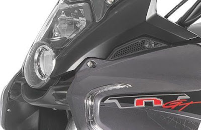 Benelli TNT 600 GT hedlight look
