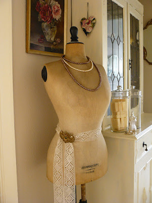 Try these DIY Vintage Display Ideas by Nile Corp