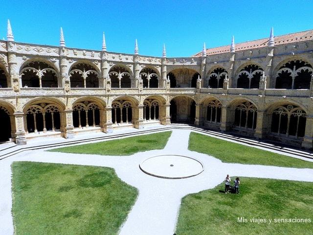 Claustro Monasterio de los Jerónimos, barrio de Belém, Lisboa