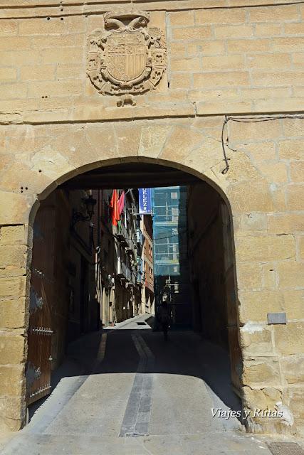 Puerta de la muralla de Viana, Navarra