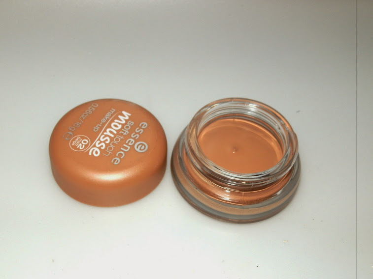 Essence Soft Touch Mousse Foundation N02 Swatches and Reviews