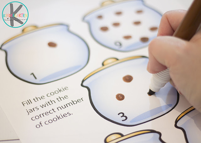 counting 1-10 cookies with bingo markers