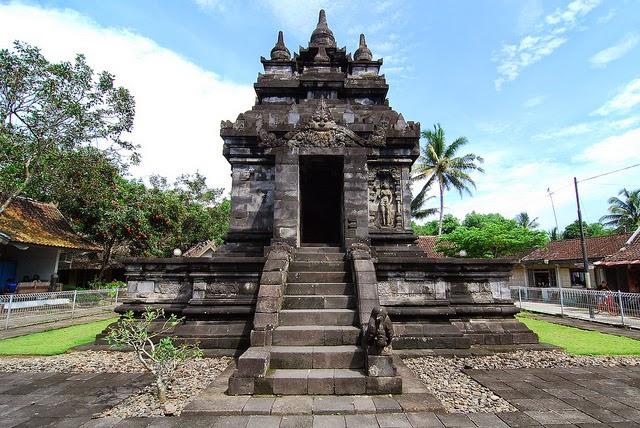 Candi Pawon - Pawon Temple