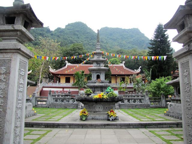 thien tru perfume pagoda vietnam