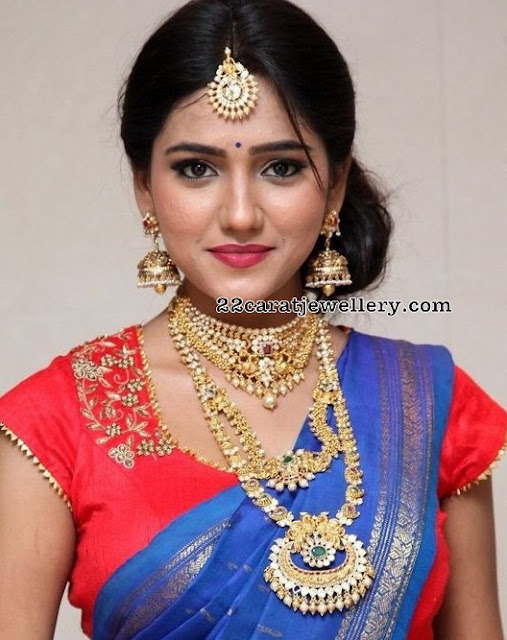 Shalu in Nakshi Long Chain