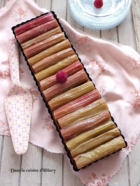 Ma tarte chic rhubarbe et framboise sur lit de crème d'amande