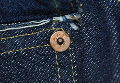 ヴィンテージリーバイス506xx 胸ポケットのリベット、古い年代のoが小文字でアンダーバーが入る表記タイプ