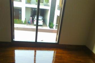 Contoh Terpasang Lantai Parket Kayu