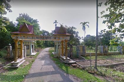 Wisata Religi di Komplek Makam Raja-raja Rengat Indragiri Hulu