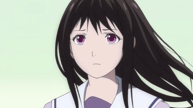 Hiyori memiliki bentuk wajah yang khas yang membuatnya mempesona