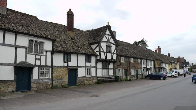 Lacock Village - www.visit-stonehenge.com
