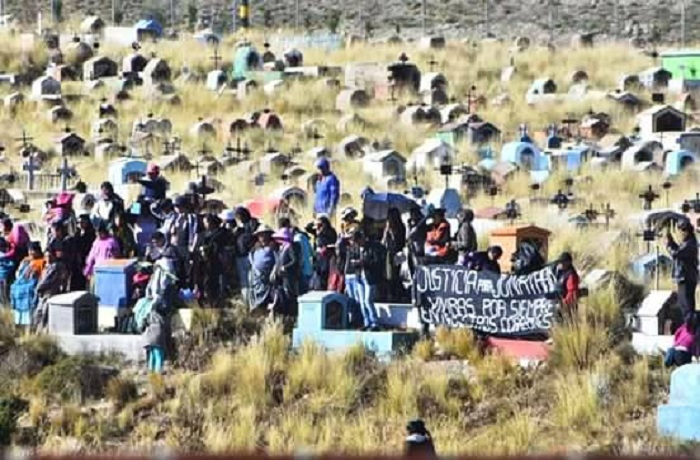 Caravana de UPEA acompañó el entierro de Jonathan Quispe en cementerio de Villa Ingenio  / EL DEFENSOR SOCIAL