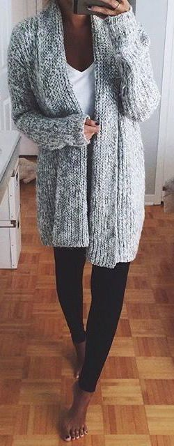 incredible fall outfit : knit cardigan + top + balck skinnies pants