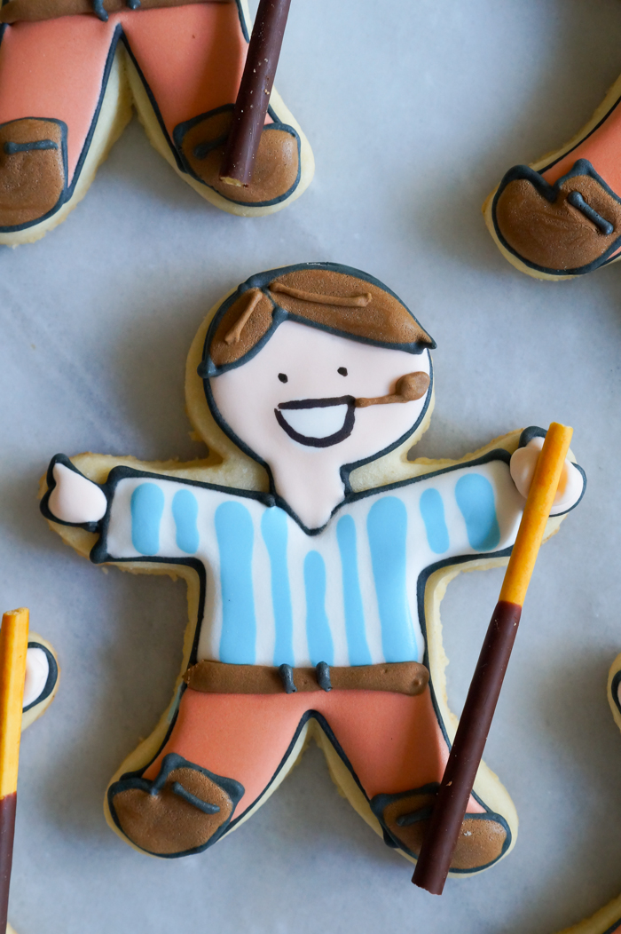 how to make Pier Giorgio Frassati decorated cookies