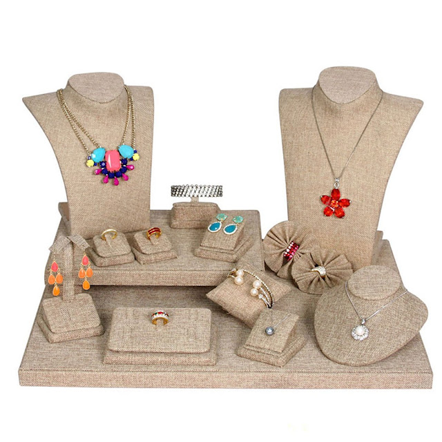 The Burlap Jewelry Display Set gives off a Bohemian vibe perfect for handmade pieces | NileCorp.com