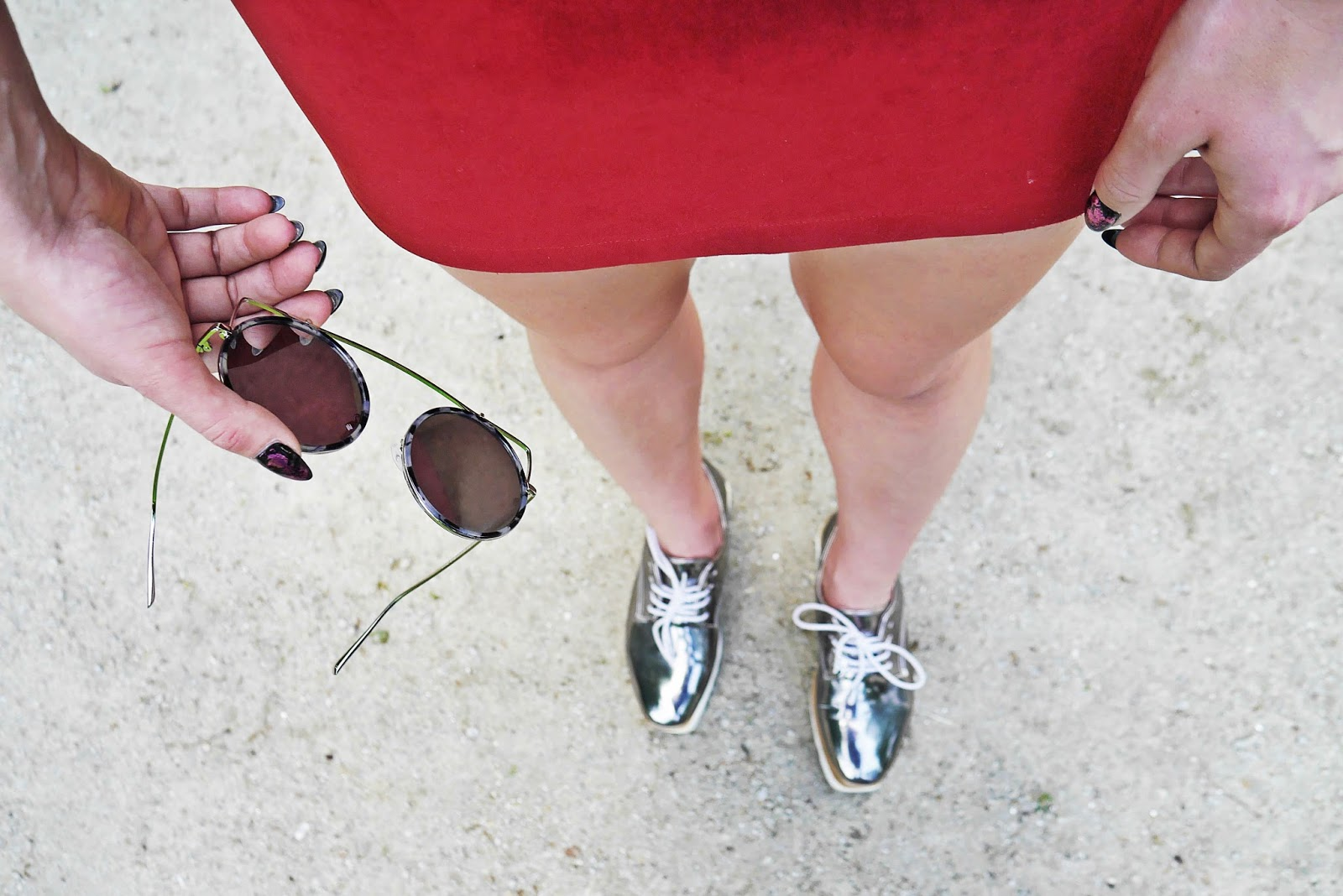 sequin_top_burgundy_skirt_platform_silver_shoes_karyn_blog_300517asd