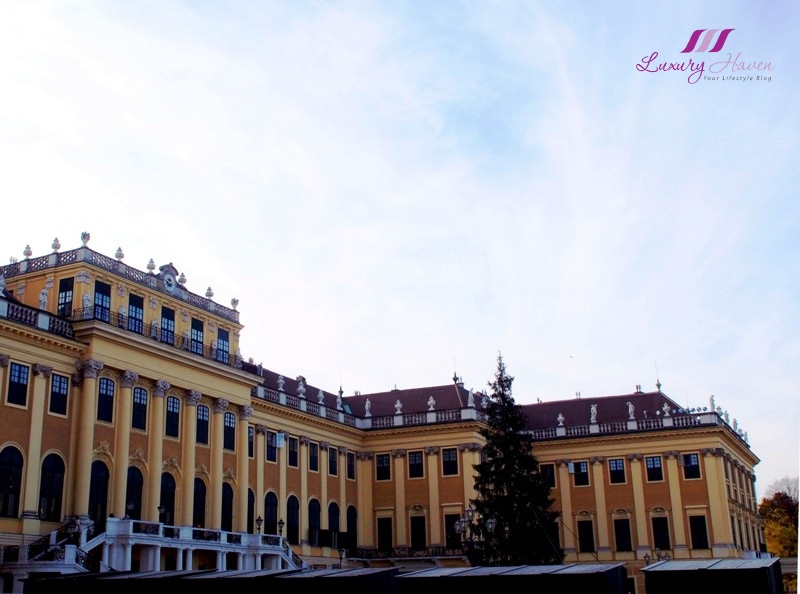 vienna schonbrunn palace beautiful spring