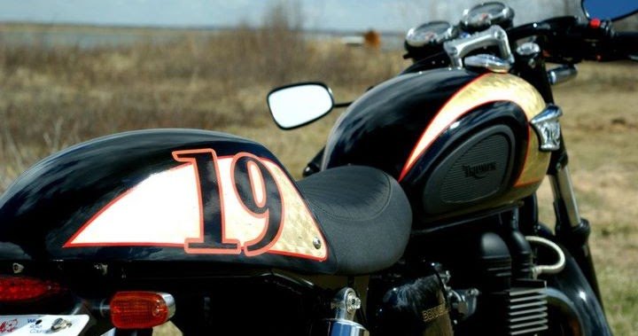 readers rides: tight golden triumph ~ return of the cafe racers