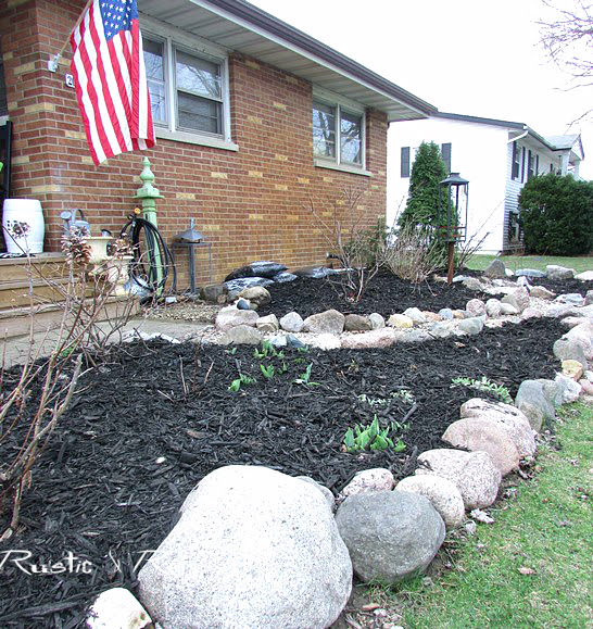 Garden Bed Ideas for a Ranch style house