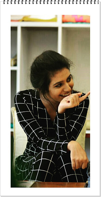 priya-varrier-cute-expressions-4