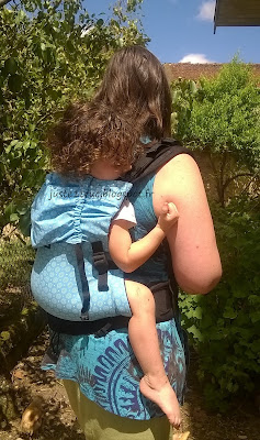 test avis KIBI préformé porte-bébé babywearing babycarrier bambin évolutif réglable portage tissu évolutivité review