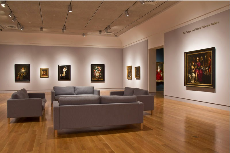 Interior do Norton Museum of Art em Palm Beach Florida