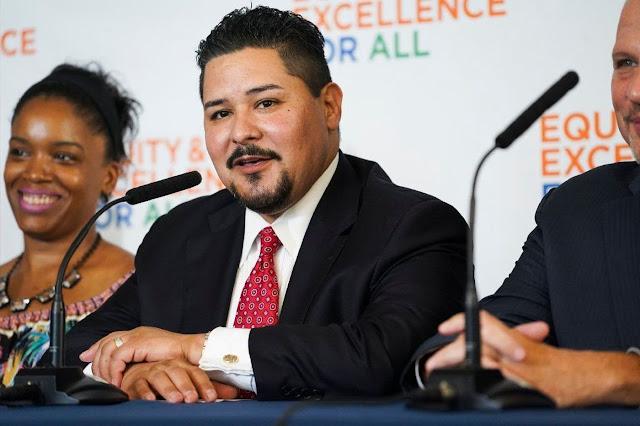 Schools chancellor calls for more black, Latino students in city