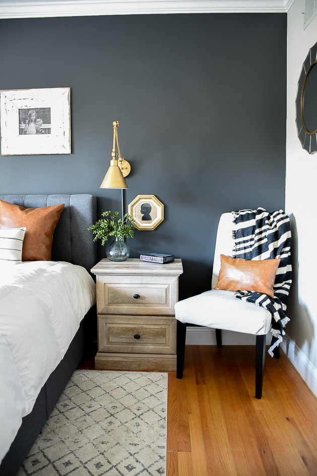 modern farmhouse, bedroom, high contrast, Sherwin williams