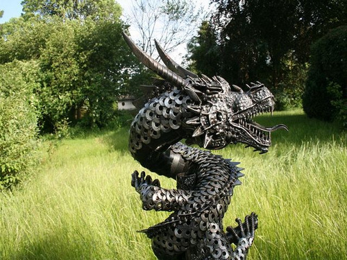 2b-Large-Fantasy-Sculpture-Dragon-2-Giganten-Aus-Stahl
