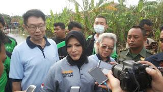 Prihatin Dengan Korban Banjir Pimpinan Yayasan Baitul Ilmi Salurkan Bantuan