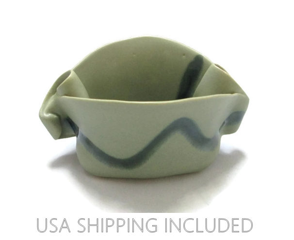 Hilborn Pottery, Canada Sculptural Bowl Signed by Nancy Hilborn